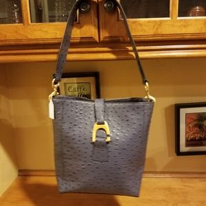NWOT Dooney and Bourke leather purse